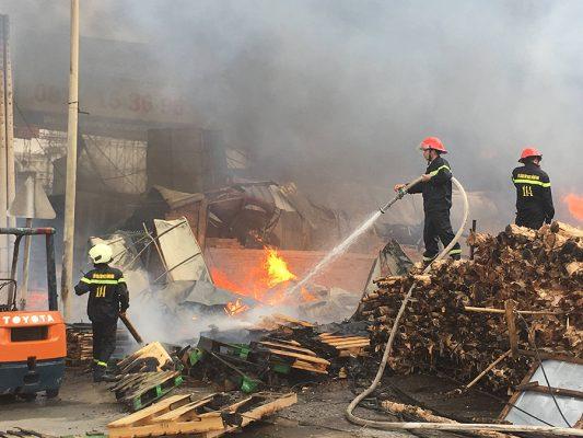 cháy xưởng gỗ
