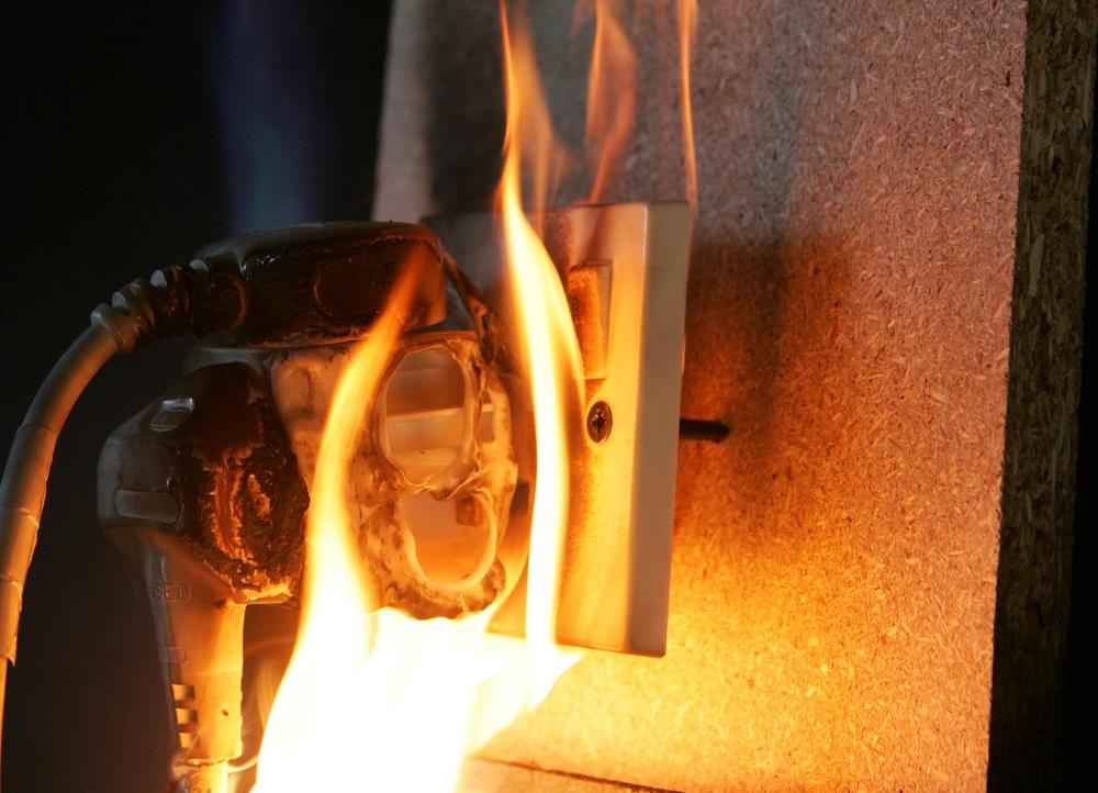 chập điện gây cháy nổ
